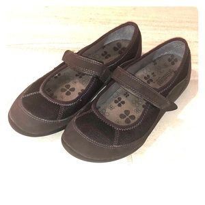 Orthaheel Brown Mary Janes